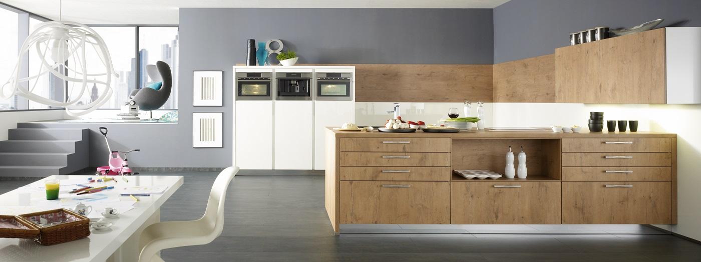 Light Wood Kitchen Cabinets For Modern Handleless Kitchen Design